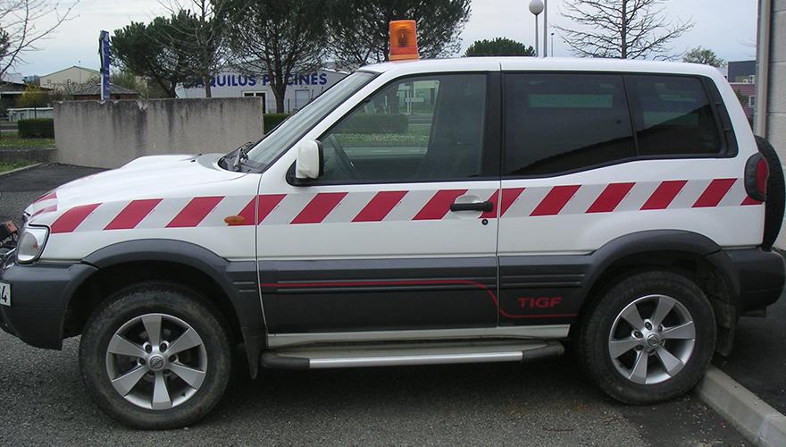 Habillage véhicule bandes rétrorefléchissantes règlementaires